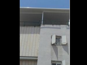 פרגולה אלומיניום בגג בנין