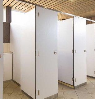 תאי שירותים